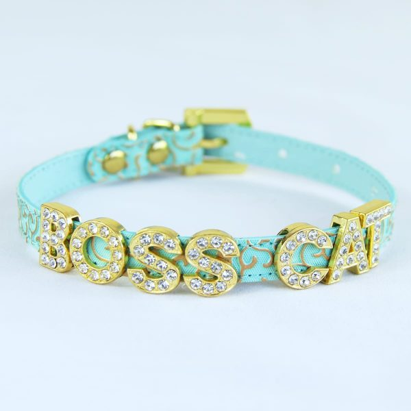 Green cat collar with the letters BOSS CATT