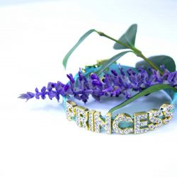 Green cat collar with flower