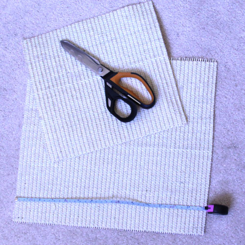 Scissors, sisal and measuring tape